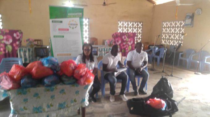 Dons De Jouets, Nourriture Et Habits Aux Enfants De L Église Pentecôte Du Togo Paroisse D'Adéta